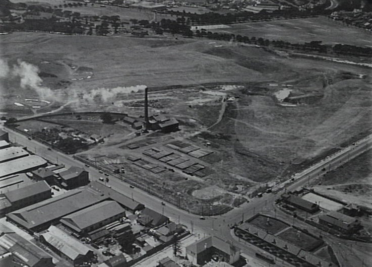 "View of south-west corner Moore Park and ""Perfectus"" Refuse Destructor and Disinfector (circa 1930s). This site is now part of Moore Park Golf course."