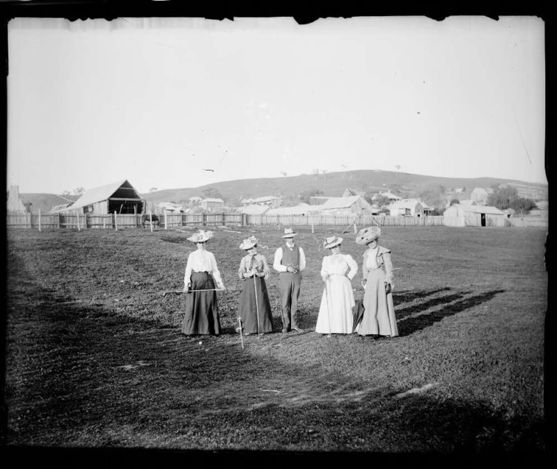 Weekes paddock, lady golfers