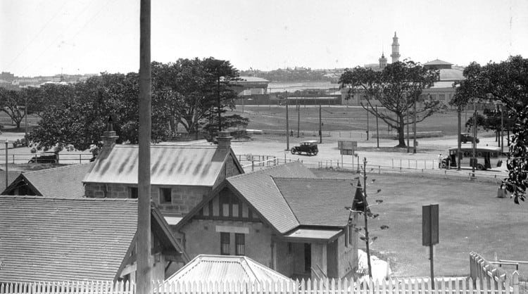View of the Moore Park Toll House in 1929 (from Moore Park Golf House). In the distance you can make out the Hordern Pavilion.